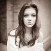 模特:LRINA
